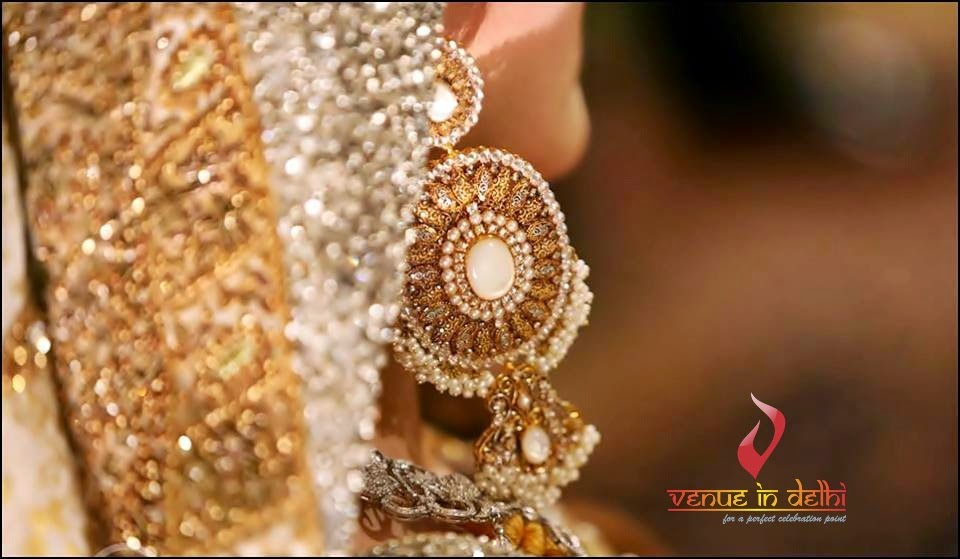 Elegant Jewelry in Wedding